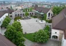 Het binnenplein van Ljubljanski Grad. Het kasteel.