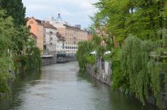 De Ljubljanica, de groene stroom door het centrum van de stad.