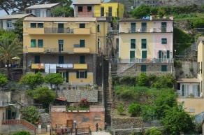 Weg van de 'grote wandelweg' zijn het vooral steegjes en trappen in Riomaggiore.